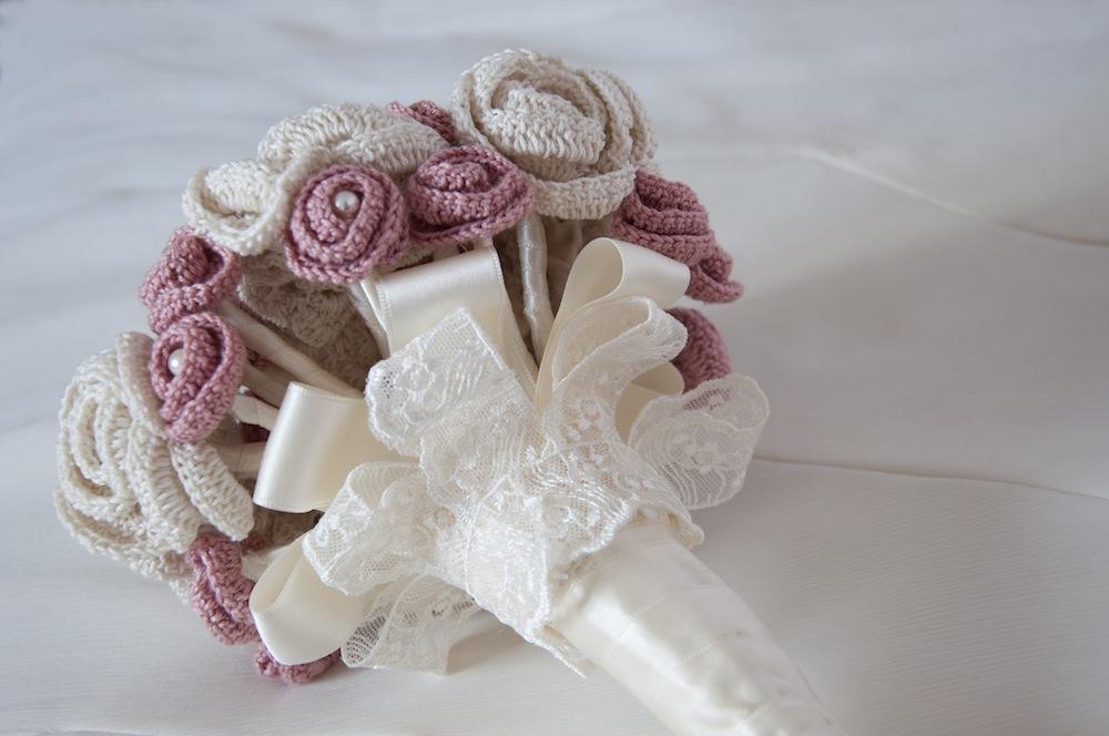 Bouquet Sposa Uncinetto.Bouquet Con Fiori All Uncinetto Alluncinetto It