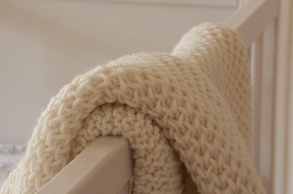 Copertina culla a maglia alluncinetto